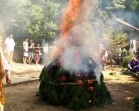 本日、加賀市大聖寺の大岩山 明王寺で『火渡りの法』が開催。