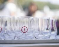 石川県が世界に誇る地酒と美食を、開放感あふれる会場で。