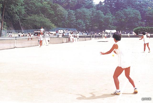 石川県兼六園テニスコート