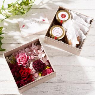 希少な生はちみつとお花の重ね箱やハニードリンクなど、母の日ギフトに最適なアイテムが充実。
